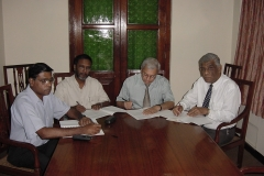 At the signing of the Order establishing the University of Colombo School of Computing in 2002. l-r Prof. V. K. Samaranayake, Director, ICT, Prof. Tilak Hettiarachchi, Vice Chancellor, Prof. R L C Wijesundara and Dr. N D Kodikara