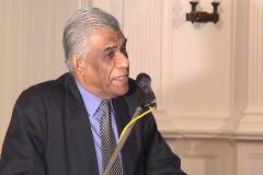 Prof . Samaranayake addressing the gathering at the Felicitation